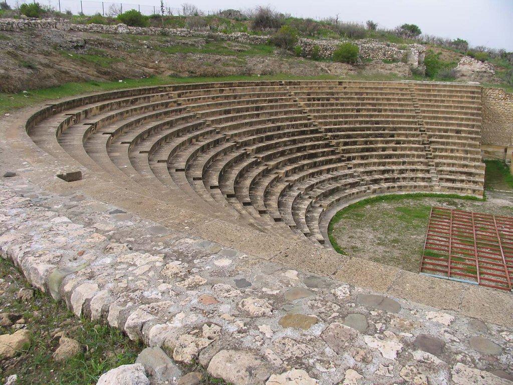 Soli Theater / Soli Theatre